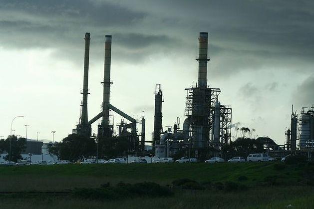 Всемирный банк: возвращение Ирана на рынок нефти опустит ее цену на 10 долларов