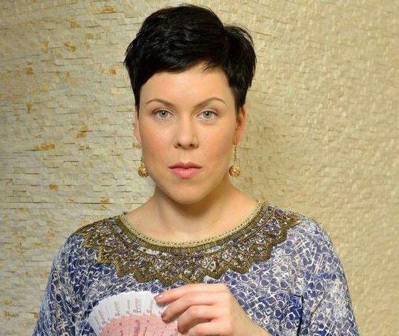 «Не поддавайтесь панике»: финансовый консультант о том, что делать с рублями
