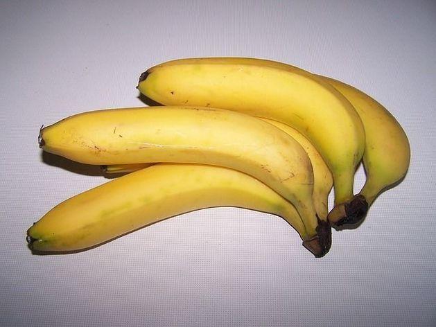 Из-за падения курса рубля резко подорожали бананы