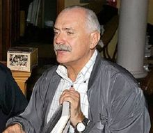 МВД после анонимного доноса проверит фирму, связанную с Михалковым
