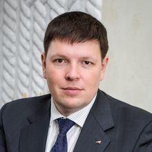Денис Константинов (МебельБыт) заработал первые деньги на изготовлении деревянных поддонов