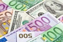 Валюта снова дорожает: доллар поднялся выше 69 руб., евро превысил 77 руб.