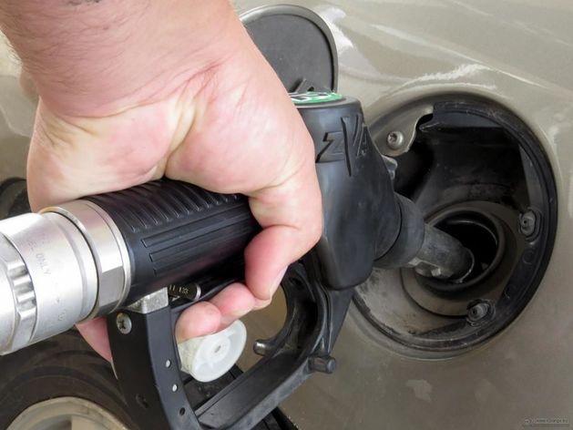 Цены на бензин в России упадут к зиме