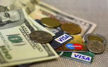 В Челябинске банкиры советуют хранить сбережения в трех валютах при нестабильности курсов