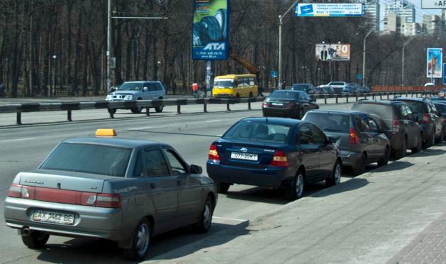Медведев согласился продлить поддержку автопрома до конца года
