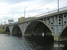 Городские власти ограничили движение транспорта по Макаровскому мосту без ведома ГИБДД