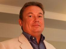 «Гильотина — машина внушительная»: первые деньги Олега Гусева