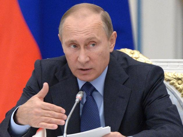"""""""Куда контролирующие органы смотрят?"""": Путин призвал рассчитываться в рублях внутри страны"""