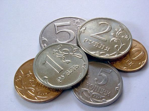 Минфин предупредил о «сезонном» снижении курса рубля