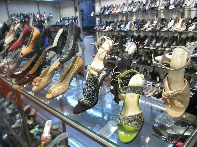 За год обувные магазины потеряли почти треть покупателей