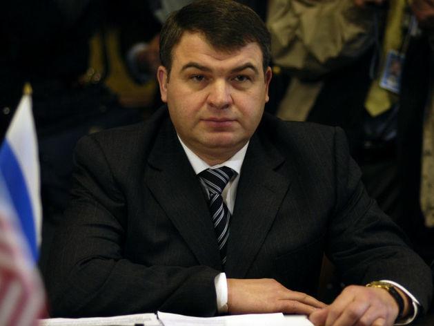 Сердюков получил в управление структуры с годовой выручкой 350 млрд руб.