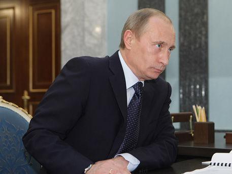Путин поручил приостановить полеты из России в Египет