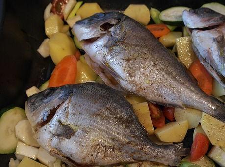 Дворкович считает, что рыба в России слишком дешевая