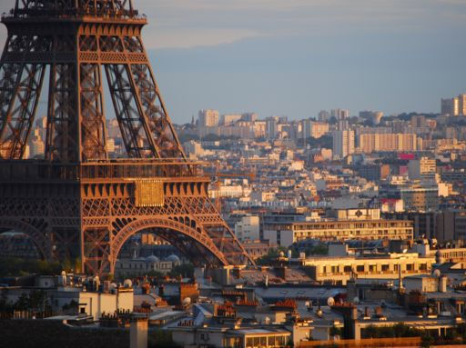 Россияне начали аннулировать туры во Францию и остальную Европу