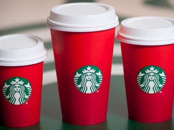 Как красные стаканчики Starbucks сделали сети кофеен рекламу