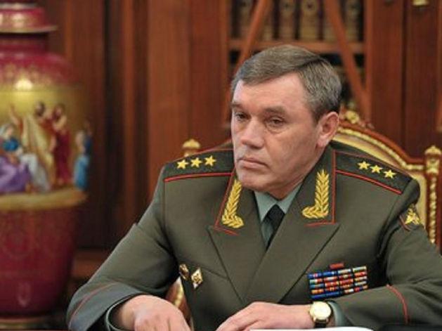 СМИ: Путин тайно дал начальнику Генштаба РФ высшую воинскую награду за Сирию