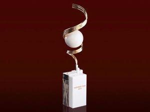 Как делают статуэтку к премии «Человек года» / ФОТО
