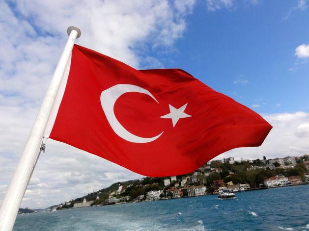 Путин запретил российским туроператорам продавать путевки в Турцию