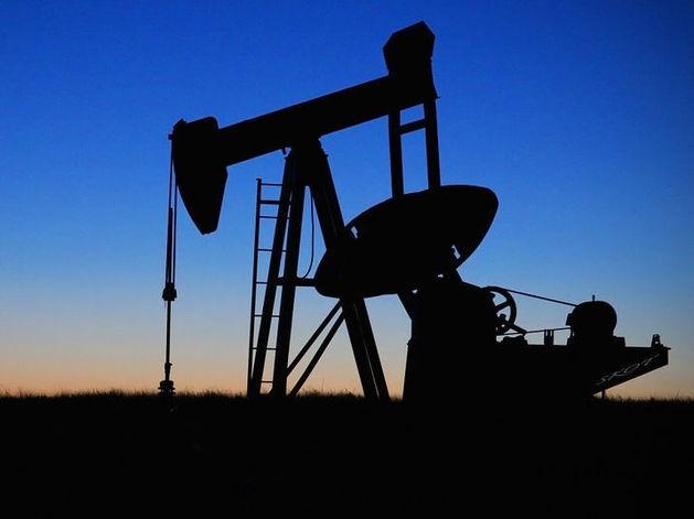 Fitch оставляет негативным прогноз для нефтегазовой отрасли России на 2016 год