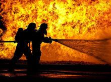 В Екатеринбурге в районе Южного автовокзала произошел крупный пожар