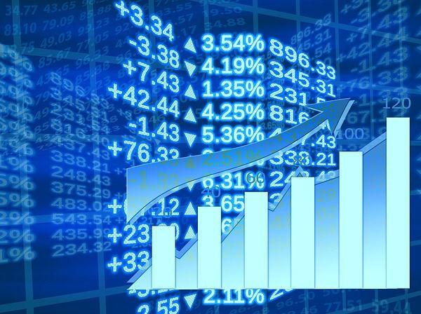 Bloomberg: ЦБ не будет понижать ставку из-за риска ускорения инфляции