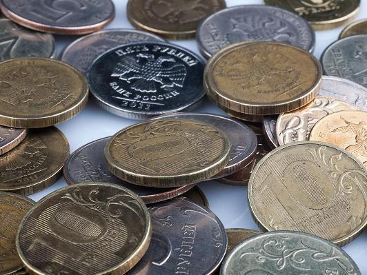 Минфин не видит причин для курса в 100 рублей за доллар