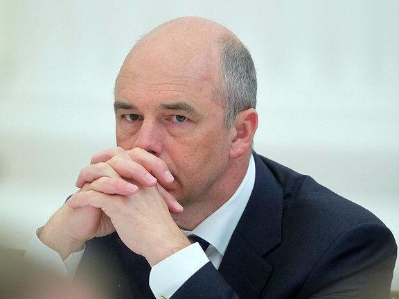 Силуанов допустил падение цен на нефть до 30 долларов уже в наступающем году