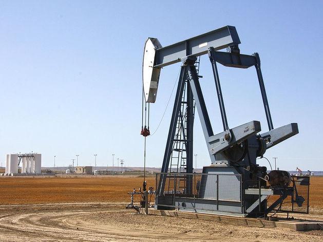 Эксперты: рынок нефти вернется к равновесию в 2016 году
