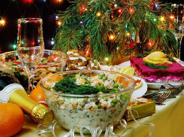 Росстат: новогодний стол обойдется россиянам на 30% дороже, чем год назад