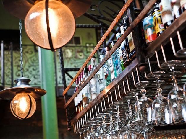 Из ресторанов и баров на Новый год может исчезнуть спиртное
