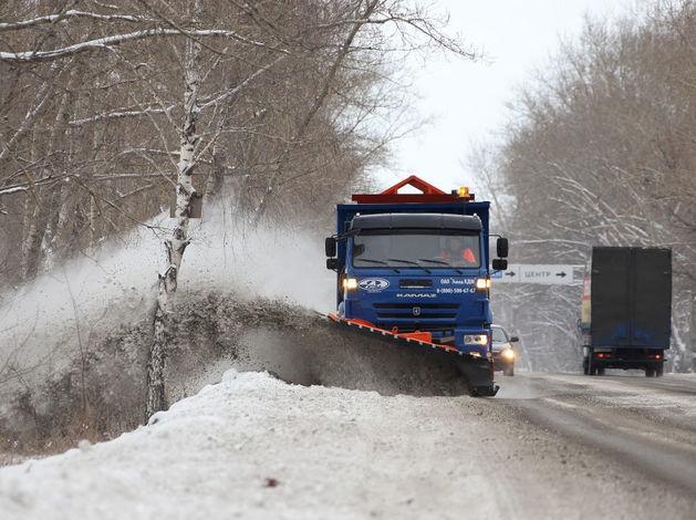 «Южуралавтобан» закупил и вывел на улицы Челябинска новые снегоуборочные машины