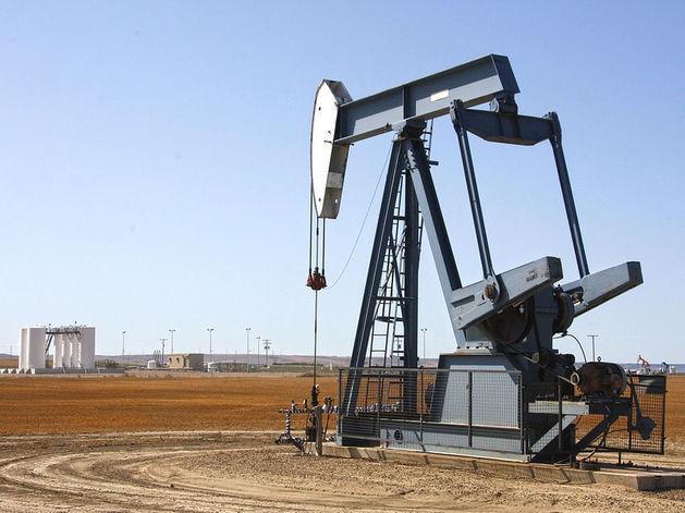 Bloomberg: спекулянты планируют обвалить цены на нефть до $15