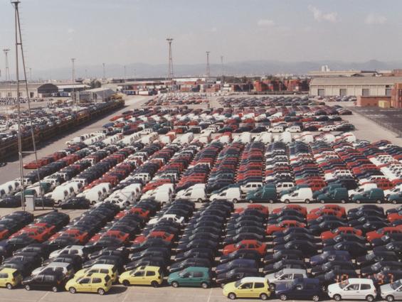 Составлен прогноз продаж автомобилей в России на 2016 год