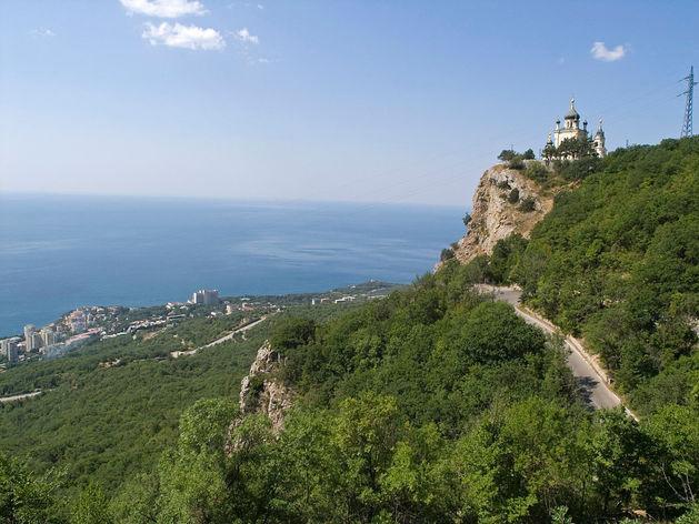 Крым догнал Сочи по ценам на отдых