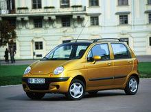 Названы 10 самых дешевых автомобилей России в 2015 году