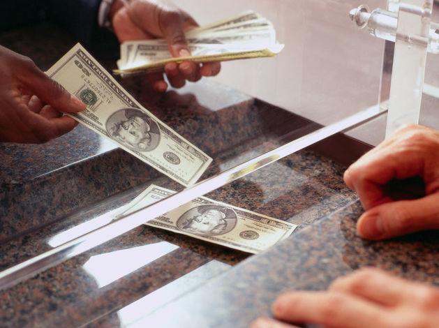 Как российские банки удивляли клиентов в 2015 году