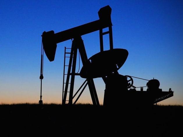 Bloomberg: цены на нефть разорят 400 энергетических компаний