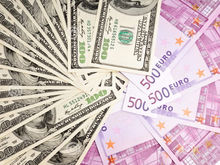 Курсы валют. Зюганов предложил спасти рубль «сталинским методом»