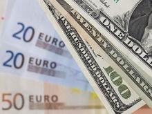 Нефть растет, рубль тоже. Не пришло ли время покупать доллары?