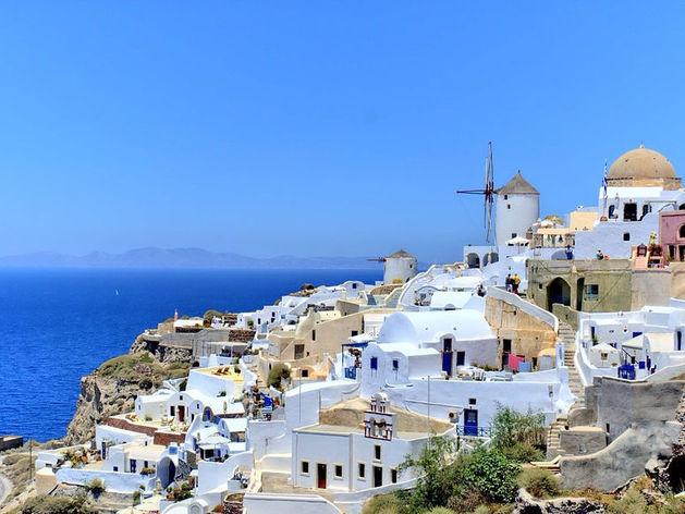 Глава Ростуризма призвал соотечественников отдыхать в Греции