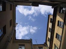На рынке недвижимости России все больше квартир и все меньше покупателей
