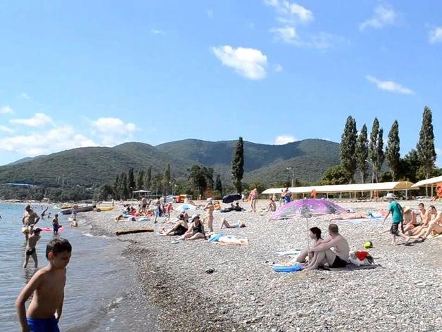 «На Черном море будет жарко»: что ждет туристов в России этим летом и почему так дорого?