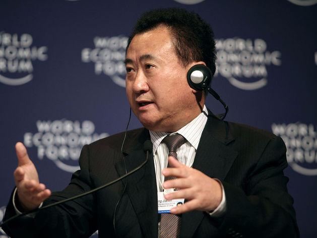 На фото: самый богатый гражданин Китая, председатель совета директоров девелопера Wanda Group Ван Цзяньлинь. Состояние - 34 млрд долларов.