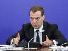 Медведев раскритиковал Челябинск. Тефтелеву дали пенсионную надбавку. Дайджест DK.RU