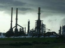Власти выставили на продажу крупнейшее месторождение нефти в Западной Сибири