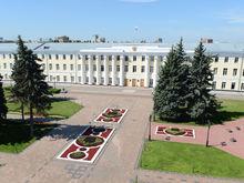 Спикер нижегородского ОЗС заработал в 4 раза меньше, чем супруга одного из депутатов