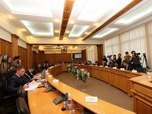 Семь автобусов и вилла на Кипре: чем владеют и сколько зарабатывают депутаты Екатеринбурга