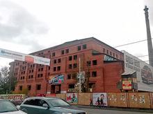 Замороженную гостиницу возле Цирка начали реконструировать