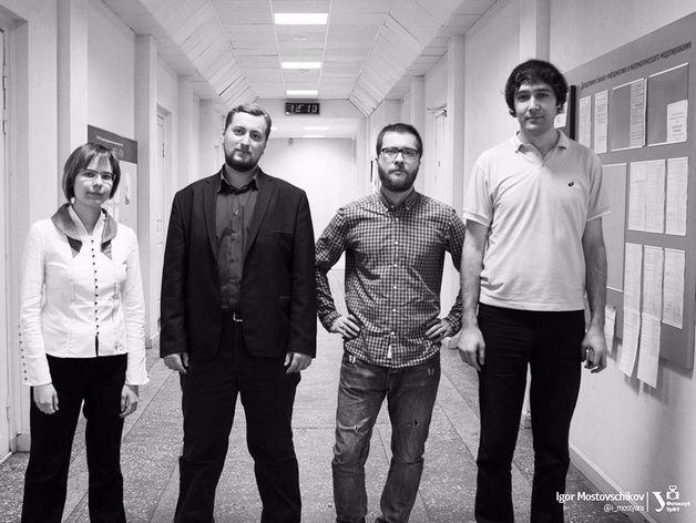 ядро команды разработчиков Relation Hint: Юлия Колмогорова, Евгений Комоцкий, Борис Фадичев  и Олег Федотов.