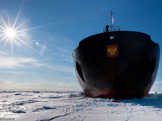Впервые за 45 лет в России на воду спустили новый ледокол
